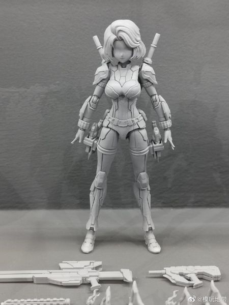 Eastern Model - Black Widow & Spider Gwen