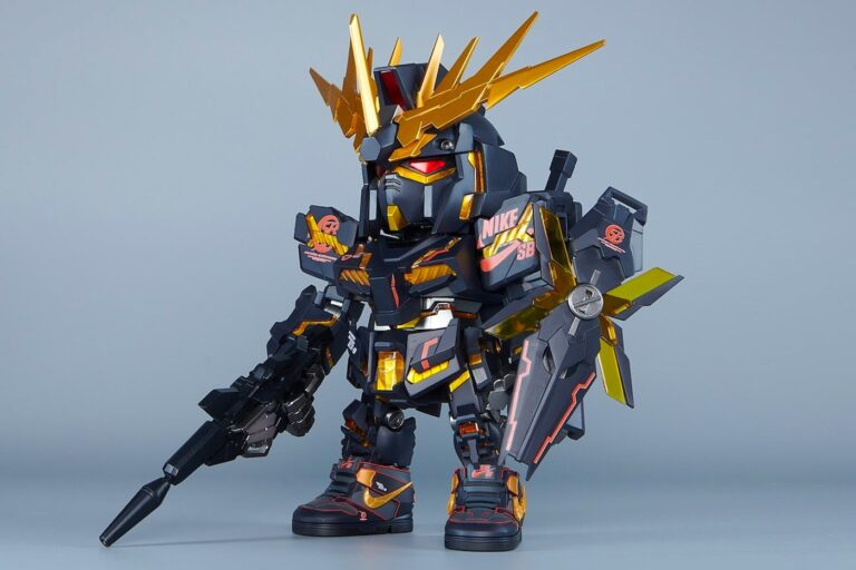 https___hypebeast.com_image_2021_09_nike-sb-gundam-limited-edition-mini-unicorn-figures-004