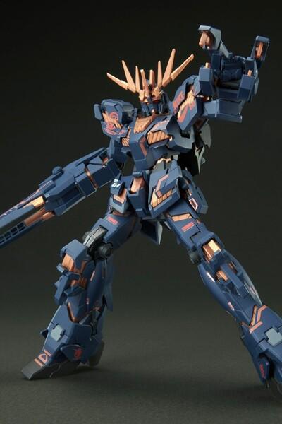 https___hypebeastcom_image_2021_09_bandai-gundam-nike-sb-gunpla-model-kits-release-info-008
